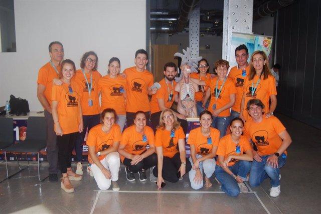 Investigadores del centro de I+D de GSK España en Tres Cantos en un stand de La Noche Europea de los Investigadores 2019.