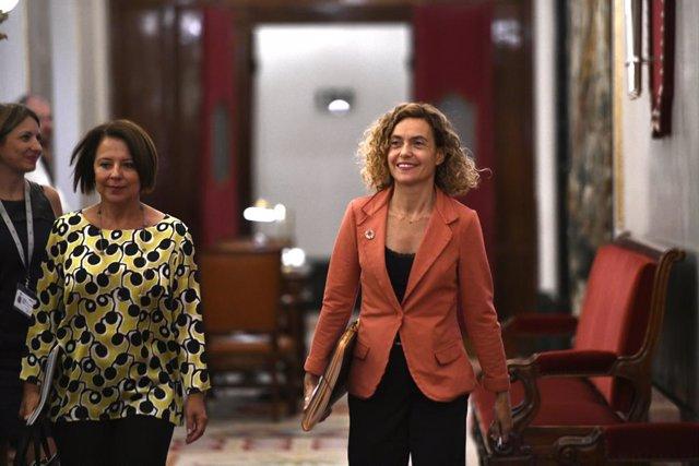 (I-D) La secreataria segona de la taula del Congrés dels Diputats, Sofia Hernanz (PSOE) i la presidenta del Congrés dels Diputats Meritxell Batet (PSOE), a la seva arribada a la reunió amb els membres de la taula del Congrés.