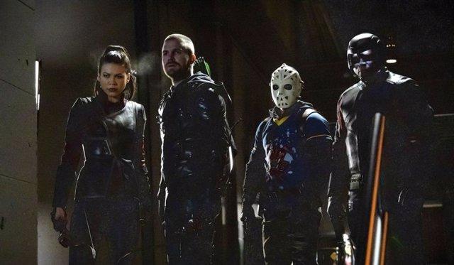 Arrow resucita a dos personajes en las primeras imágenes de la 8 temporada