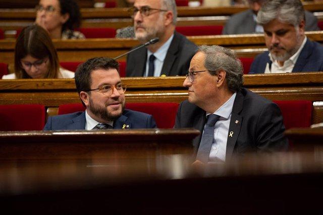 El president de la Generalitat Quim Torra i el vicepresident de la Generalitat, Pere Aragonès, durant la segona part del debat de política general al Parlament el 26 de setembre del 2019.