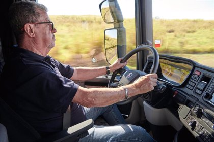 Hasta la mitad de los camioneros sufre un problema respiratorio que puede dormirles al volante