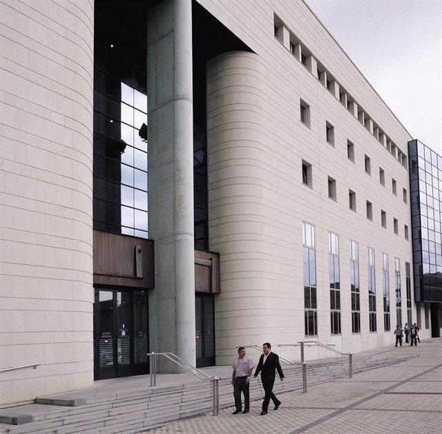 El TSJN confirma el destierro de un pueblo de Navarra de un condenado de 68 años que abusó de una niña de 12