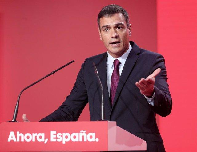 El secretari general del PSOE i president del Govern central en funcions, Pedro Sánchez, durant la seva intervenció en l'acte de presentació del lema de campanya del 10 de novembre, Madrid (Espanya), 30 de setembre