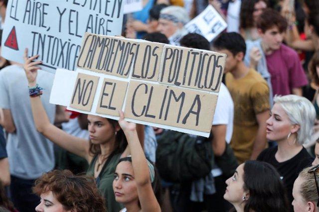 Marcha en Madrid por la segunda huelga mundial por el clima convocada por Fridays For Future, Alianza por el Clima, Alianza por la Emergencia Climática y 2020 Rebelión por el Clima, el 27 de septiembre de 2019