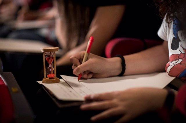 Coca-Cola anima a los jóvenes andaluces a participar en la 60ª edición de su Concurso Jóvenes Talentos de Relato Corto