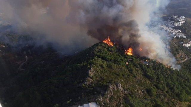 Incendio forestal en Casares