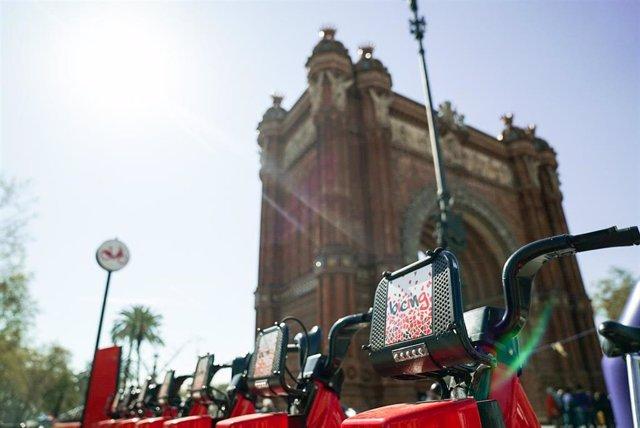 Nuevas estaciones y bicicletas del servicio Bicing en Barcelona.