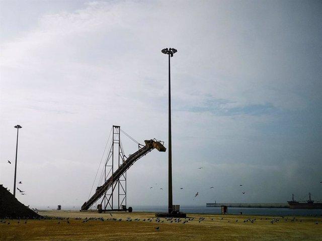 Almería.-Puertos.-Puerto de Almería mejora la eficiencia energética de las torre