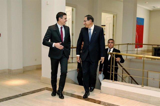 (I-D) El presidente del Gobierno en funciones, Pedro Sánchez  y el presidente peruano, Martín Vizcarra, en la Moncloa, durante la visita de Estado del pasado febrero.