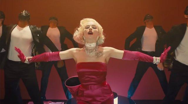 Margot Robbie en el tráiler de Birds of Prey (Aves de Presa)