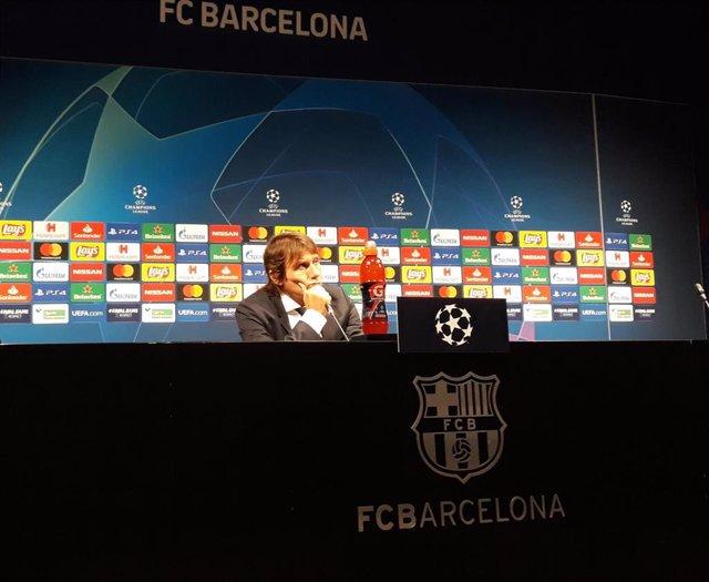 El entrenador del Inter de Milán, Antonio Conte, en rueda de prensa tras el partido contra el FC Barcelona