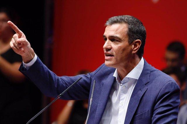 El presidente dle Gobierno en funciones, Pedro Sánchez, interviene en un acto del PSOE en Zaragoza (Aragón).