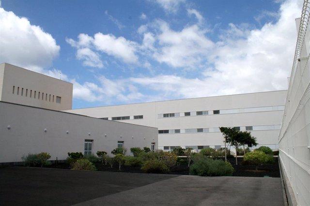 Canarias.- El Hospital del Sur modifica temporalmente el acceso de vehículos al servicio de Urgencias