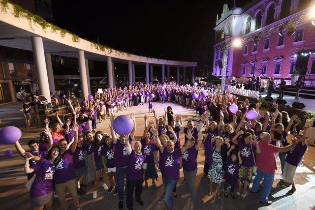 La Universidad de Murcia culmina el evento 'EnlazadODS con un lazo humano de 10.