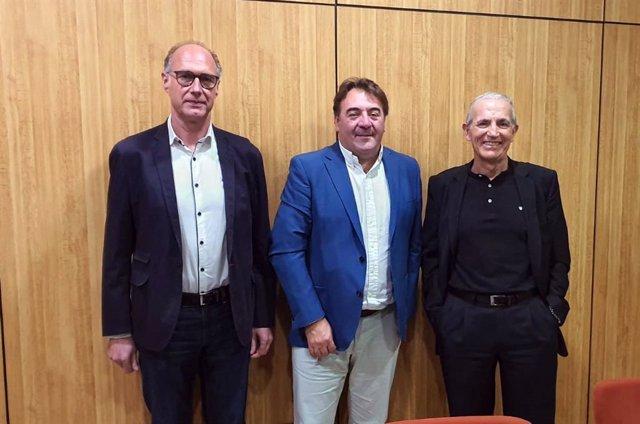 Acuerdo entre Alma Telecom y la empresa albaceteña AHIMAS