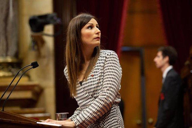 La portavoz de Ciudadanos en el Senado y portavoz en el Parlament de Cataluña, Lorena Roldán, durante su intervención en  el debate sobre política general en el Parlament de Catalunya.