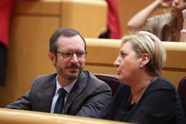 El portavoz del PP en el Senado, Javier Maroto, y la senadora Paloma Sanz  Jerónimo sentadas en sus escaños durante la segunda sesión del primer pleno de la XIII legislatura, en Madrid (España) a 11 de septiembre de 2019.