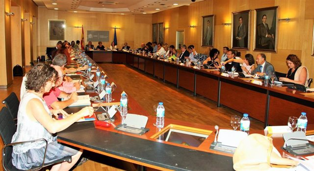 Foto de archivo de la Mesa de Coordinación Interterritorial de menores extranjeros no acompañados .