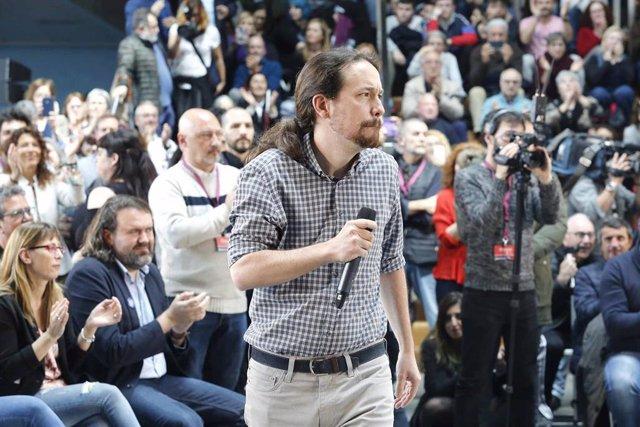 El líder de Podemos, Pablo Iglesias, interviene en un mitin en Vigo (Pontevedra).