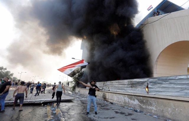 Irak.- Muere una persona y decenas resultan heridas en una manifestación en Bagdad contra el paro y la corrupción