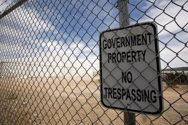 Instalaciones de detención para migrantes en la frontera de Estados Unidos con México