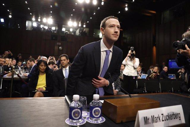 Comparecencia de Mark Zuckerberg, fundador y presidente ejecutivo de Facebook, ante las comisiones de Comercio y Judicial del Senado de Estados Unidos, el 10 de abril de 2018
