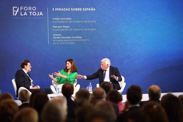 Los expresidentes de Gobierno Mariano Rajoy y Felipe González mantienen una charla en el Foro La Toja de O Grove (Pontevedra)