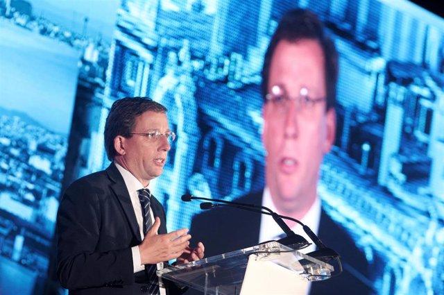 El alcalde de Madrid, José Luis Martínez- Almeida, durante su intervención en la segunda jornada del III Congreso bienal Iberoamericano para Presidentes de Compañías y Familias Empresarias, en Madrid (España), a 1 de octubre de 2019.
