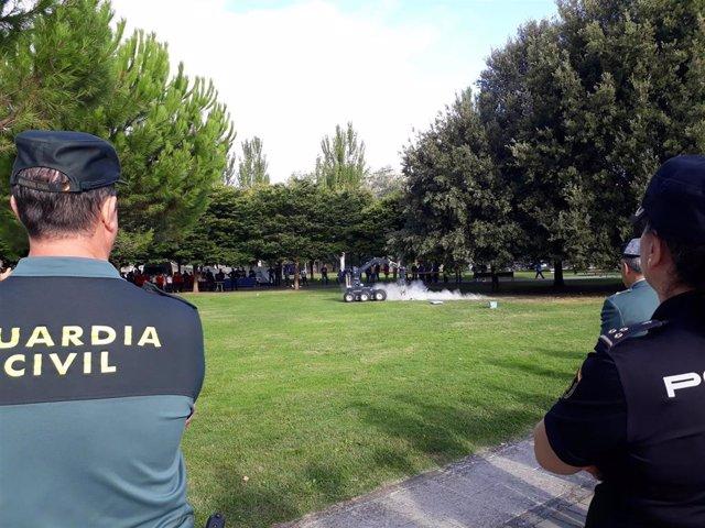 La Policía Nacional y la Guardia Civil celebran una jornada de puertas abiertas en la Ciudadela de Pamplona.