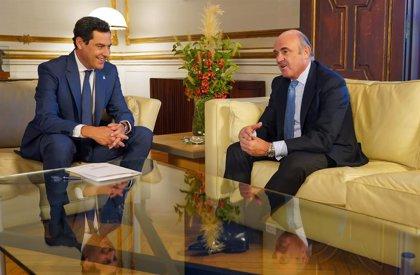 """Guindos cree que España """"puede capear perfectamente la desaceleración si se hacen las cosas relativamente bien"""""""