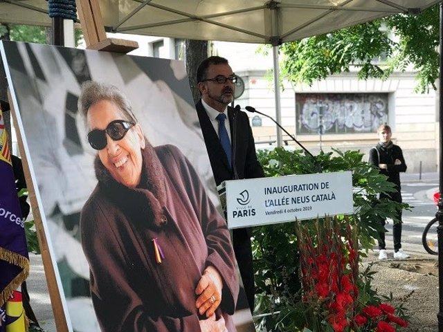 Alfred Bosch en la inauguració del carrer dedicat a Neus Català a París