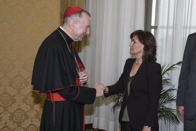 La vicepresidenta del Gobierno, Carmen Calvo, y el secretario de Estado del Vaticano, Pietro Parolin.