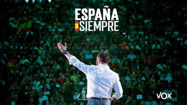 Cartel de la campaña electoral del 10N de Vox, con una foto de Santiago Abascal, presidente del partido, bjo el lema.