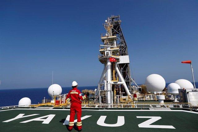 Barco de exploración energética Yavuz