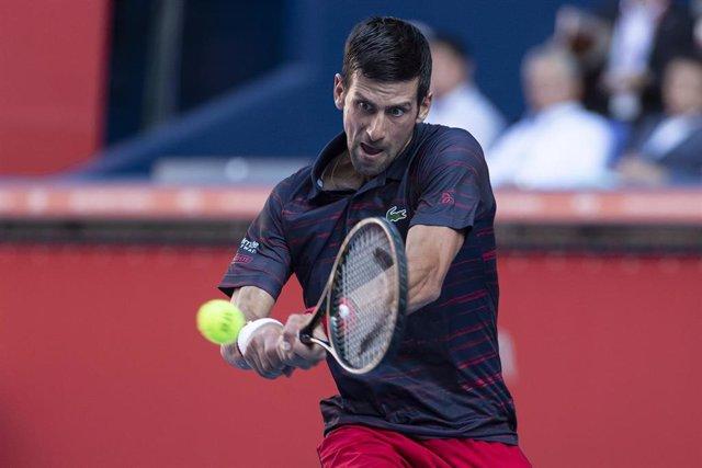 Novak Djokovic en el partido ante David Goffin en el torneo de Tokio