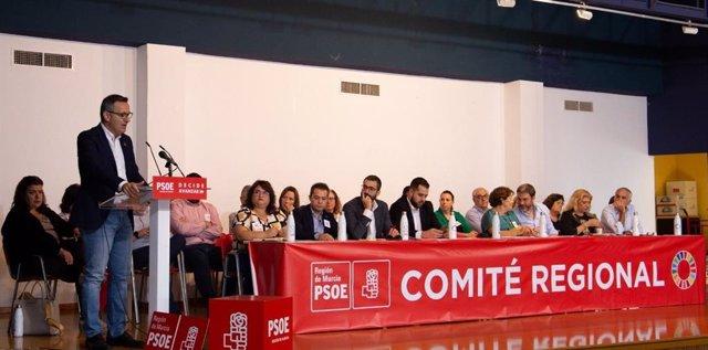 El secretario general del PSRM-PSOE y portavoz del Grupo Parlamentario Socialista, Diego Conesa, en el Comité Regional del partido