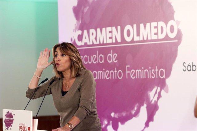 La secretaria general del PSOE-A, Susana Díaz, en la inauguración de la primera Escuela de Pensamiento Feminista Carmen Olmedo, celebrada en Málaga.
