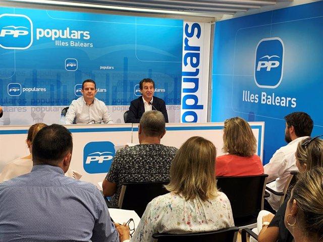 El president del PP de Balears, Biel Company, intervé en una reunió de la formació amb els coordinadors de campanya.