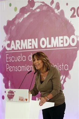 Susana Díaz, líder del PSOE andaluz, inaugura la Escuela de Pensamiento Feminista en Málaga.