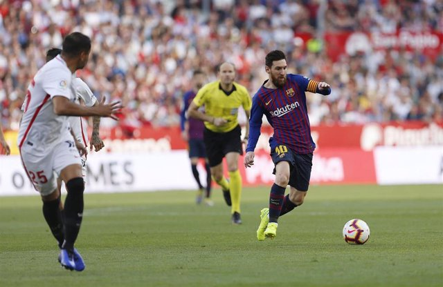 23 February 2019, Spain, Sevilla: Barcelona's Lionel Messi in action during the Spanish Primera Division soccer match between Sevilla FC and FC Barcelona at Estadio Sanchez Pizjuan. Photo: Manu Reino/SOPA Images via ZUMA Wire/dpa