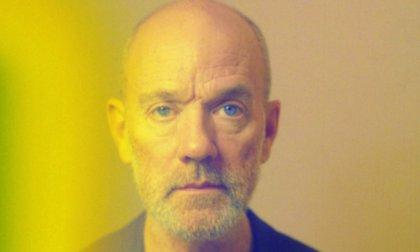 Escucha el debut en solitario de Michael Stipe