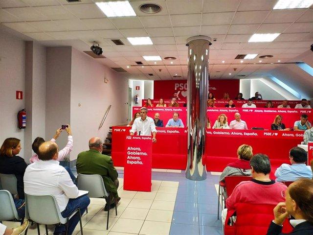 El secretario general del PSOE, Pablo Zuloaga, interviene ante el Comité Ejecutivo Regional