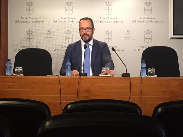 El portavoz de Vox en la Junta General, Ignacio Blanco