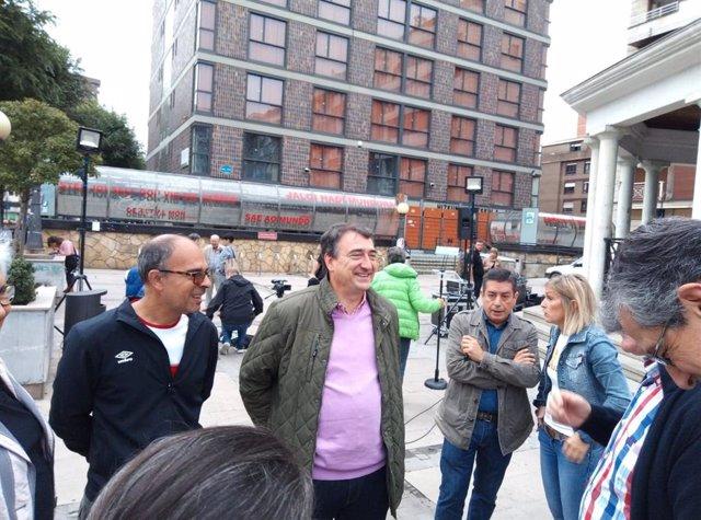 El portavoz del PNV en el Congreso, Aitor Esteban, en decaraciones a los medios de comunicación en Bilbao