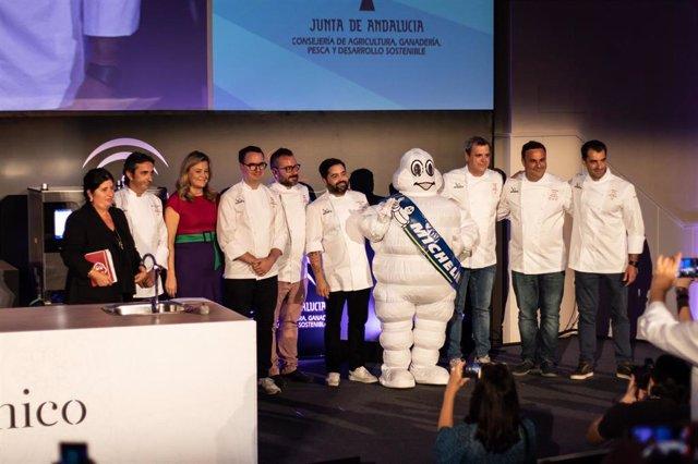 Los cocineros andaluces que estarán presentes en la cena de gala de la Guía Michelín.