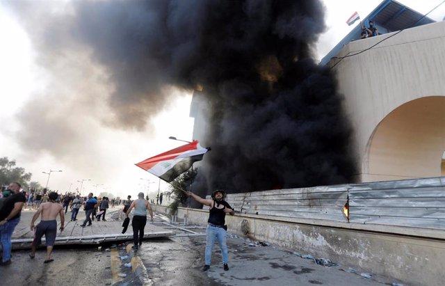 Manifestación en la capital de Irak, Bagdad, contra la corrupción y el desempleo