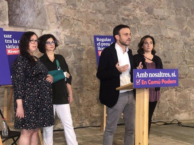 La secretaria general de Podem, Noelia Bail; la historiadora y cabeza de lista al Senado de ECP, Rosa Lluch; el portavoz de ECP en el Congreso, Jaume Asens, y la alcaldesa de Barcelona, Ada Colau