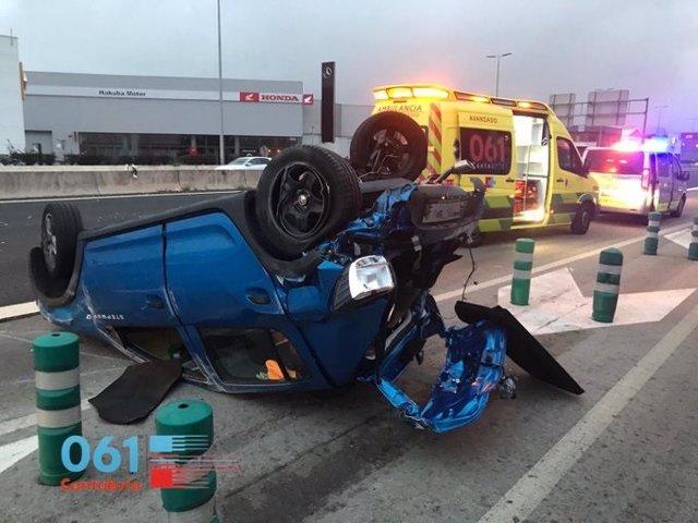 Vehículo volcado en el accidente registrado en la S-10