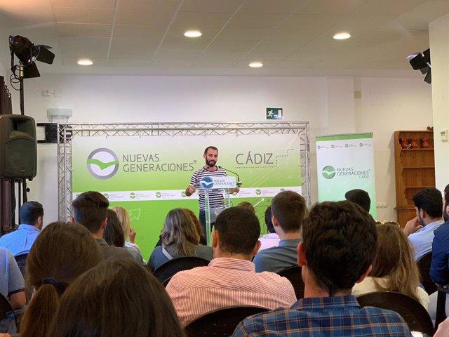 El presidente de Nuevas Generaciones de Andalucía (NNGG-A), Kike Rodríguez, este domingo