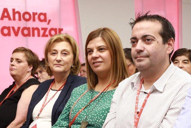 La delegada del Gobierno en Asturias, Delia Losa, y la secretaria de Organización de la FSA-PSOE, Gimena Llamedo, durante el Comité Federal del PSOE celebrado en Madrid